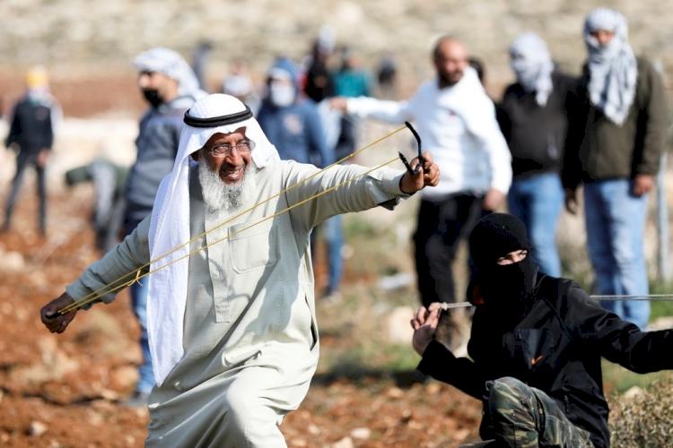Filistin'in ihtiyar delikanlısı: Gözaltına alınmaktan, yaralanmaktan veya şehit olmaktan korkan, vatan kurtaramaz
