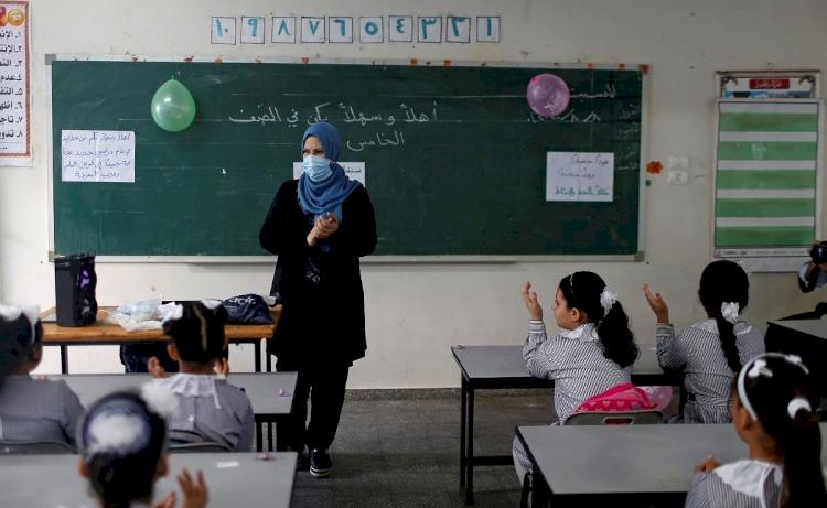 Sisi'nin talimatı ile ayet ve hadisler, Arapça ile tarih derslerinden çıkartılacak