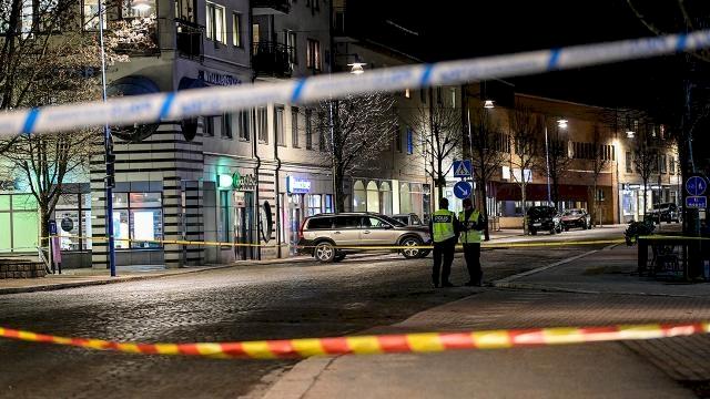 İsveç'te bıçaklı saldırıda 8 kişi yaralandı