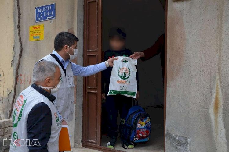 Avrupa Yetim Eli Diyarbakır'da yetimlerin yüzlerini güldürdü