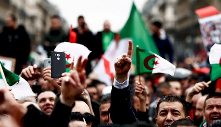 Cezayir, Fransa'nın sömürge dosyalarındaki gizlilik kararını kaldırmasını 'memnuniyet ve şüphe' ile karşıladı