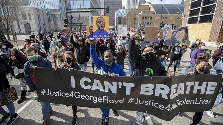 ABD'de siyahi George Floyd'un ölümüne neden olan eski polis memurunun davası başladı