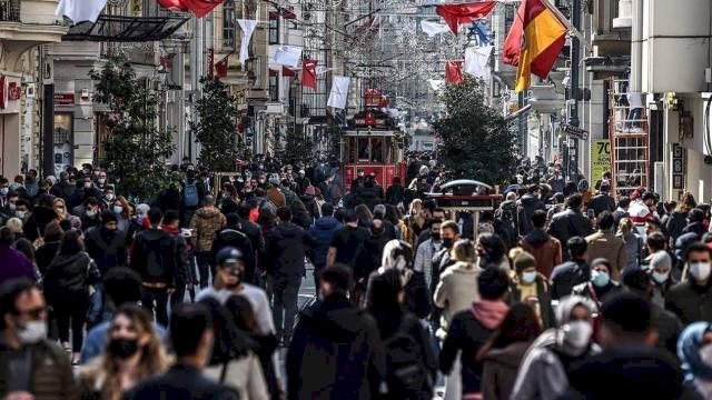 Türkiye'de can kaybı 200'ü geçti, yeni vaka sayısı 50 bine dayandı