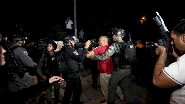 İşgalci İsrail'den Kudüs'teki Şeyh Cerrah Mahallesi'nde düzenlenen tehcir karşıtı gösteriye müdahale