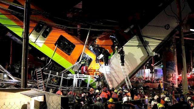 Meksika'da üst geçit çöktü, tren raydan çıktı: 15 ölü, 70 yaralı