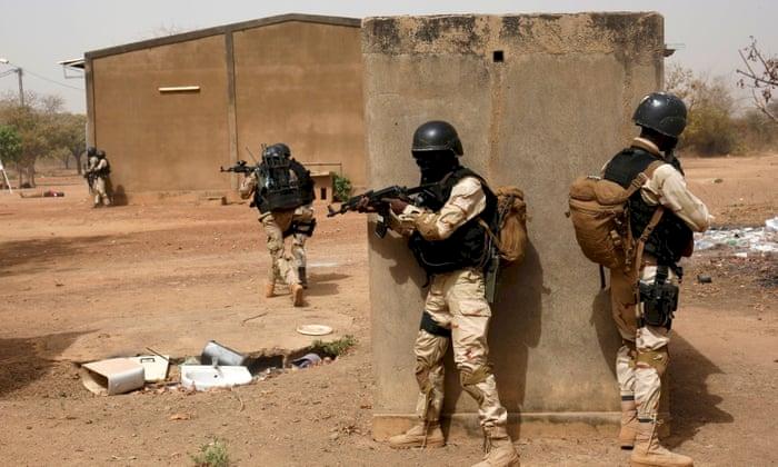 'Kimliği Belirsiz Silahlılar' grubu Burkina Faso'da saldırdı: 12 ölü