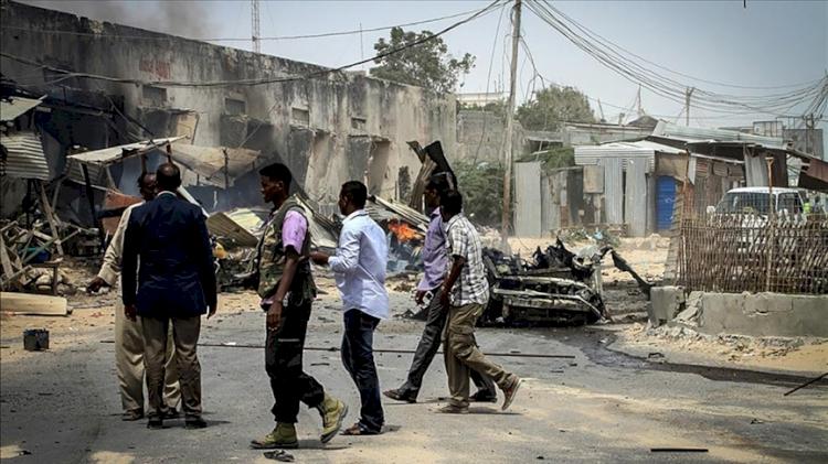 Somali'de karakolun önünde canlı bomba saldırısı: 6 ölü