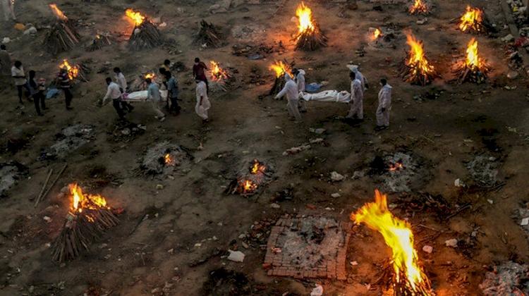 Hindistan'da rekor ölüm sayısı: 6 bin 148