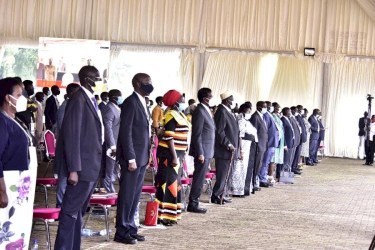 Uganda'da yeni hükümete 82 bakan atandı