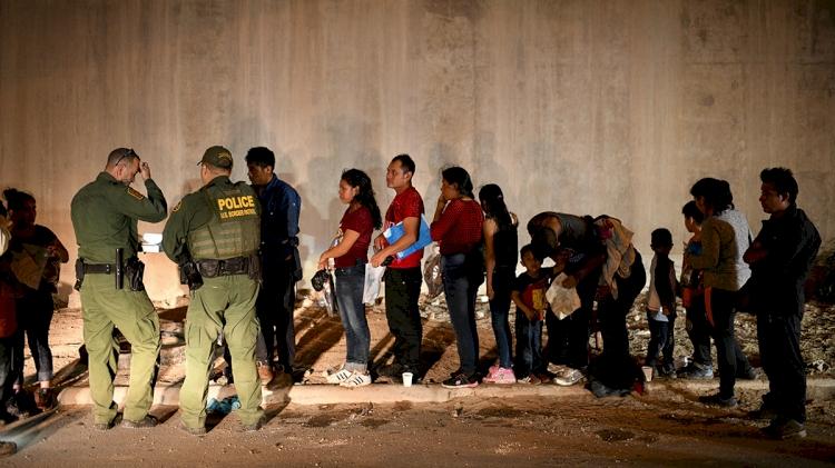 ABD-Meksika sınırında geçen ay 180 binden fazla göçmen yakalandı