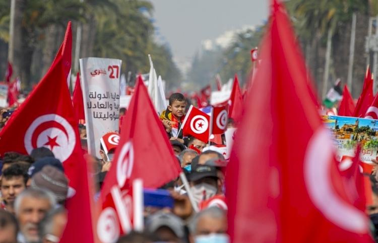 Tunus'ta krizden çıkış yolu: Ulusal diyalog mu erken seçim mi?