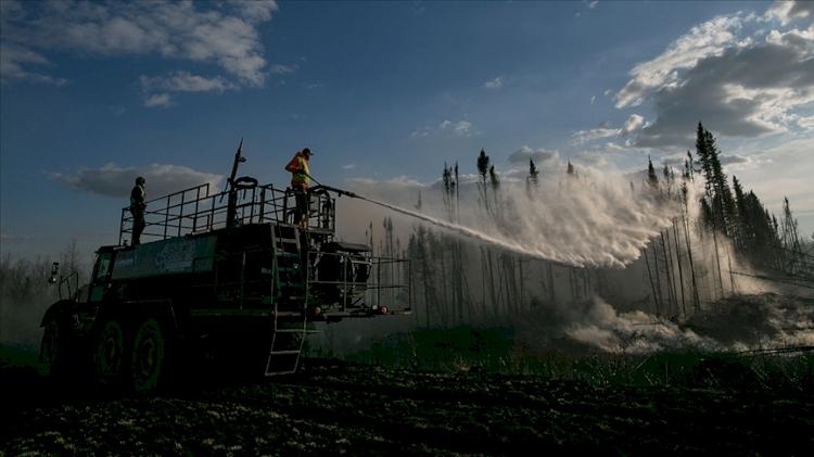 ABD'den Rusya'ya birçok ülke, dünya coğrafyasını etkisi altına alan yangınlarla mücadele ediyor