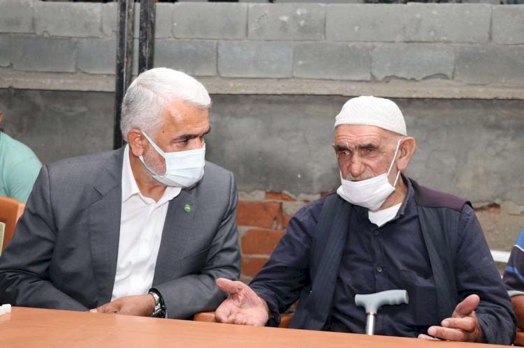 HÜDA PAR Genel Başkanı Yapıcıoğlu'ndan Konya'da 7 ferdi katledilen aileye taziye ziyareti