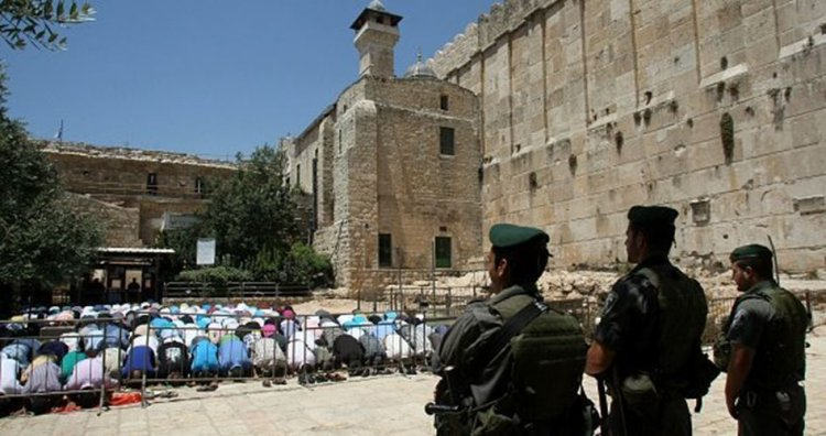 İşgalci İsrail, Harem-i İbrahim Camisi'ni Müslümanlara kapattı