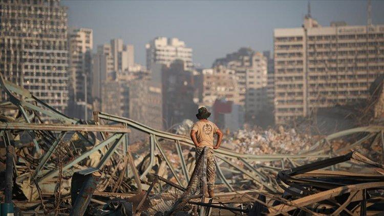 Lübnan'da Beyrut patlamasıyla ilgili soruşturmada eski Bakan Finyanus hakkında gözaltı kararı verildi