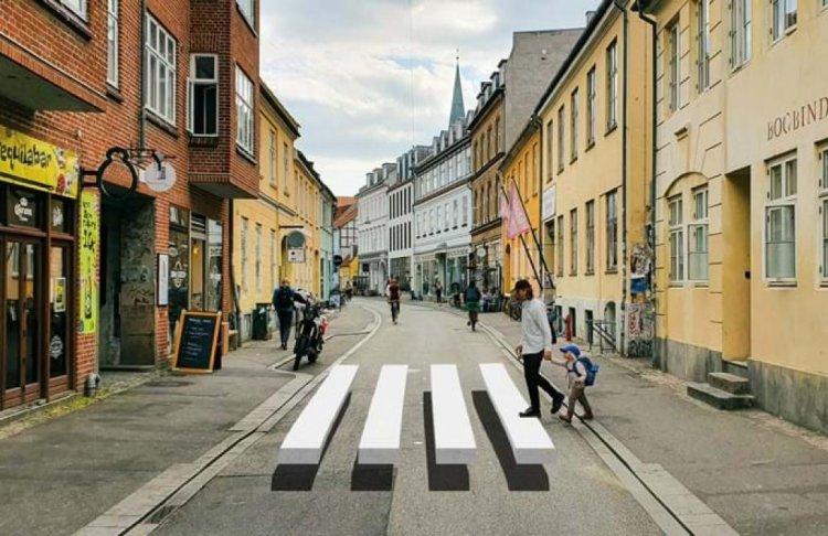 Danimarka'da motorlu araçları durdurmak için 3 boyutlu yaya geçidi