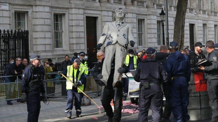 Greenpeace üyeleri Londra'da eylem yaptı