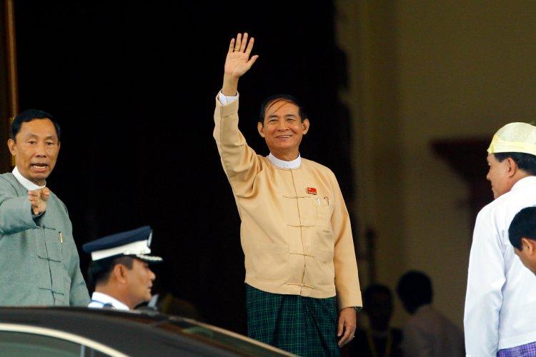 Gözaltındaki eski Myanmar Devlet Başkanı Win Myint, istifa etmeyi reddetti