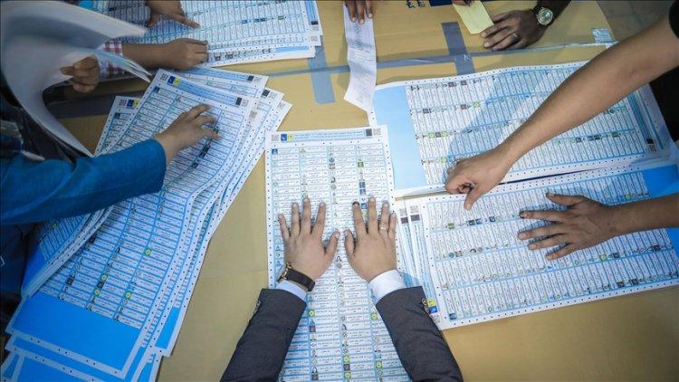 Irak Yüksek Seçim Komisyonu oyların yaklaşık yüzde 6'sının elle sayılmasını planlıyor